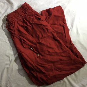 Red flow pants